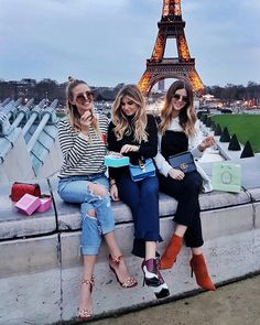 Talking about my trip for Paris Fashion Week, my favorite stops in Paris and my outfit details from the week Moda Paris, Oui Oui, Paris Photos, Best Friend Goals, Best Friends Forever, Friend Pictures, Tour Eiffel, Girl Gang, Diva
