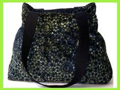 Tasche, Shopper, aus Cordstoff mit Retromuster in verschiedenen Grüntönen und Schwarz. Das Innenfutter der Tasche ist aus Baumwollstoff in Schwarz,...
