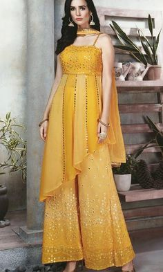 Indian Long Dress, Party Wear Indian Dresses, Designer Party Wear Dresses, Pakistani Dresses Casual, Indian Gowns Dresses, Indian Bridal Outfits, Indian Fashion Dresses, Kurti Designs Party Wear, Dress Indian Style
