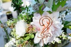 Wire wedding table number   Image by Chrisman Studios