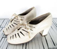 Vintage 1930s Shoes / White Leather Cut Out by myVintageValentine, $89.00