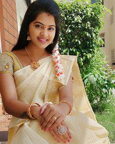 Saree Blouse Neck Designs, Saree Blouse Patterns, Designer Blouse Patterns, Beautiful Gorgeous, Beautiful Saree, Beautiful Women, Beauty Full Girl, Beauty Women, Ava Green