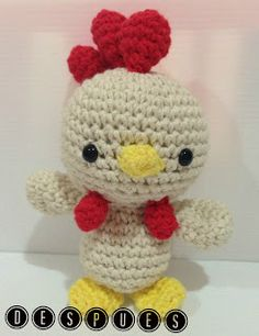 Amigurumi Rooster - FREE Crochet Pattern / Tutorial in Spanish Crochet Quilt, Crochet Motif, Knit Crochet, Crochet Patterns, Crochet Gifts, Cute Crochet, Crochet Dolls, Chicken Pattern, Crochet Chicken