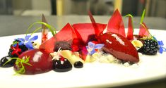 Blackberry in Textures -- very cool molecular gastronomy site with recipes and techniques.