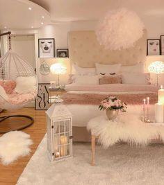 Cute Bedroom Decor, Room Design Bedroom, Stylish Bedroom, Teen Room Decor, Room Ideas Bedroom, Small Room Bedroom, Bedroom Photos, Teen Bedroom Designs, Dream Bedroom
