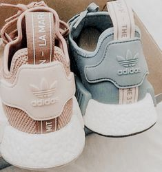 Cute Sneakers, Shoes Sneakers, Shoes Heels, Sneakers Fashion, Fashion Shoes, Aesthetic Shoes, Adidas Shoes Women, Hype Shoes, Fresh Shoes