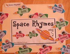 Super cute free file folder games for literacy stations! Preschool Lesson Plans, Preschool Games, Kindergarten Classroom, Preschool Printables, Classroom Fun, Preschool Ideas, File Folder Activities, File Folder Games, File Folders