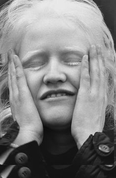 La mirada crítica de Paz Errázuriz Chile, Tina Modotti, Fotografia Social, Walker Evans, Gordon Parks, Collage, Black And White, Honesty, Political Freedom