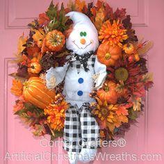 Friendly Halloween Ghost Wreath - 2012 #HalloweenWreaths #AutumnWreaths #FallWreaths #ArtificialChristmasWreaths #ArtificialHALLOWEENWreaths #GhostWreath