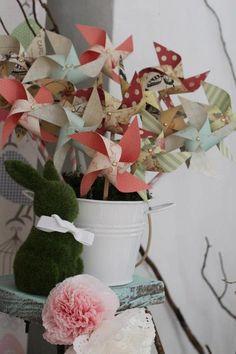 Paper pinwheel wedding favor, pinwheel and polka dot party, unique centerpieces