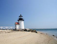 Nantucket inspiration for nautical wedding style