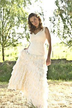 Vestidos de novia exclusivos a corchet  Fran Vallejos, La revolucion de las novias a color   contacto@franvallejos.cl  76493792