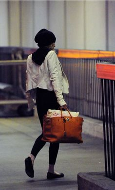 hermes bag dressed down. perfect.