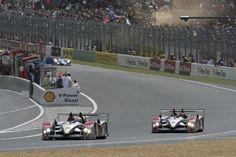 Audi R10 TDIs at 2007 Le Mans race