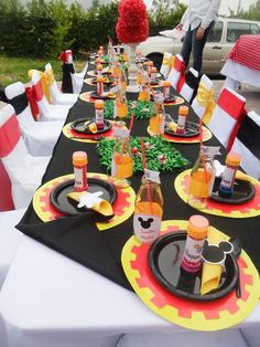 Mickey Mouse Party  Table #mickeymouse #party