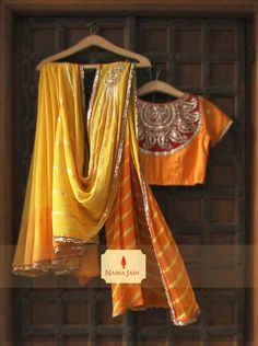 Sari and blouse Beautiful Blouses, Beautiful Saree, Indian Dresses, Indian Outfits, Ethnic Outfits, Indian Attire, Indian Wear, Blouse Desings, Party Sarees
