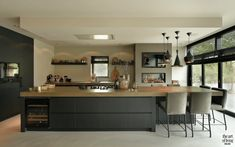 Kitchen Soffit Decorating Ideas is definitely important for your home. Whether you choose the Color Ideas For Kitchen Walls or Painting Ideas For Walls Kitchen, you will create the best Kitchen Decor Ideas Apartment for your own life. Diy Kitchen Decor, Diy Kitchen Remodel, Kitchen Remodel, Kitchen Remodel Small, New Kitchen, Home Kitchens, Modern Kitchen Design, Kitchen Soffit, U Shaped Kitchen