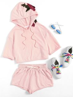 Online shopping for Flower Applique Hoodie & Shorts Set from a great selection of women's fashion clothing & more at MakeMeChic. Tween Fashion, Teen Fashion Outfits, Outfits For Teens, Girl Fashion, Womens Fashion, Chill Outfits, Cute Girl Outfits, Pantalon Long, Loungewear Set