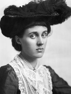 "Unlike her sister, Vanessa Bell, seen here circa 1910, didn't keep a journal. ""Her voice is largely unheard and I was really interested in that,"" Priya Parmar says."
