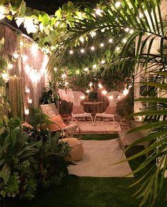 A bit of magic chez the amazing new mama, our friend Small Backyard Patio, Dream Garden, Diy Garden, Exterior Design, Outdoor Gardens, Garden Design, Outdoor Decor, Amazing, Budget Patio