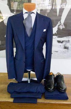 Men's wedding suits in blue 00027 Blue Suit Vest, Mens Suit Vest, Navy Blue Suit, Suit And Tie, Mens Suits, Pastel Blue Wedding, Blue Suit Wedding, Wedding Men, Wedding Suits