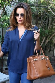 Eva Longoria Photos - Eva Longoria leaves the Ken Paves salon in Beverly Hills after getting her hair colored and cut. - Eva Longoria Goes to the Salon Eva Longoria Style, High Fashion, Womens Fashion, Street Style Looks, Classy Outfits, Classic Looks, Fashion Watches, Business Women, Celebrity Style