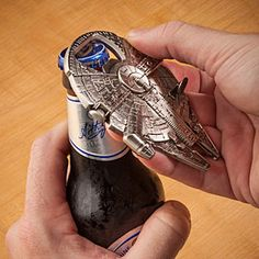 •Bottle opener for smugglers and other scruffy types   •Metal shaped as the classic smuggler ship   •Magnet on back, sticks to your fridge