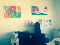 Una oficina con buen gusto