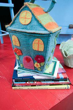 Fabric House / opberghuis van stevige stof - rits tussen huis- en dakdeel