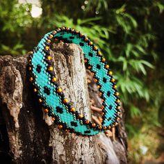 Le chouchou de ma boutique https://www.etsy.com/fr/listing/527867600/bracelet-sans-fermoir-turquoise-a-motifs