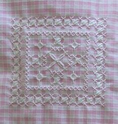 ~Oh how I remember doing this with my Grandmas as a child <3       Broderie suisse ! - Les chroniques de Frimousse