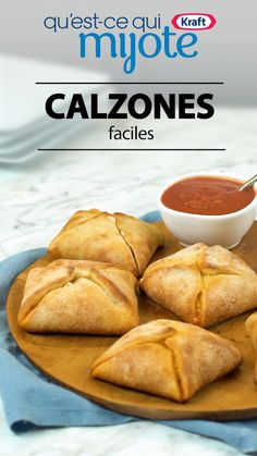 Food - You can make these yummy pizza pockets with just four ingredients! Tap kraftcanada com link for this Easy Pizza Pouches recipe Pizza Pouch, Pizza Pockets, Appetizer Recipes, Snack Recipes, Cooking Recipes, Meat Appetizers, Pizza Recipes, Pizza Snacks, Recipes Dinner