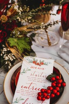 Winter #wedding stationery idea - red + green menu card with calligraphy and winter motif | Wedding invitations | Wedding stationery | #wedding #weddinginvitations #invitations #savethedate | www.starlettadesigns.com