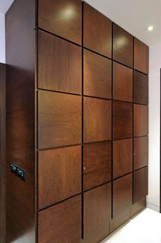 Here you will find photos of interior design ideas. Get inspired! Wardrobe Laminate Design, Wall Wardrobe Design, Sliding Door Wardrobe Designs, Wardrobe Interior Design, Wardrobe Room, Door Design Interior, Bedroom Closet Design, Bedroom Furniture Design, Modern Wardrobe Designs