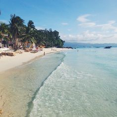 Crystal clear waters in Boracay, Philippines. Photo courtesy of tonsquared on Instagram.