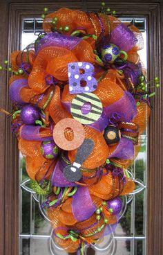 decomesh wreaths halloween | Deco Mesh HALLOWEEN SWAG WREATH. $110.00, via Etsy. | Wreaths