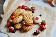 Madeleine Cookies Recipe - http://easy-lunch-recipes.com/madeleine-cookies/