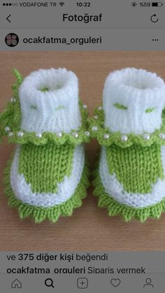 Handmade Baby Booties for Baby Knitted Baby Boots, Knit Baby Shoes, Knitted Baby Clothes, Booties Crochet, Baby Knitting Patterns, Baby Dress Patterns, Handgemachtes Baby, Baby Bootees, Craft Ideas