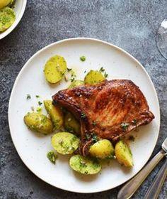 Vepřová kotleta patří mezi velmi oblíbené kusy masa. Meat, Chicken, Food, Essen, Meals, Yemek, Eten, Cubs