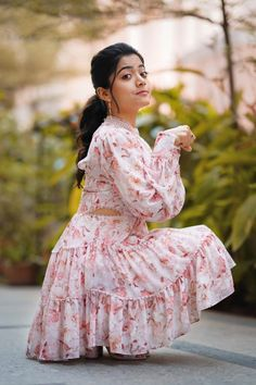 Kannada on-screen character Rashmika Mandanna, who began her profession with the superhit Kannada film Kirik party, later proceeded to act. Beautiful Girl Photo, Cute Girl Photo, Beautiful Girl Indian, Girl Pictures, Girl Photos, Girl Pics, Most Beautiful Bollywood Actress, Cute Girl Poses, Stylish Girl Images