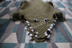 Vicki Roberts does it again!!! Brilliant idea!! Gator blanket pattern.  Check this out!!!