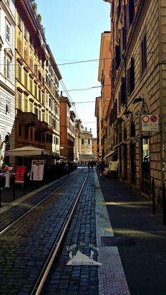 Streets of Rome شوارع روما  #easttowestadventures #travelbloggers #travelphotography #Rome #Vaticancity #pantheon #colusseum #stpetersbasilica #trevifountain #Italy #Europe #museums #trevifountain #makeawish #pontecestio #tiberriver  #تصويري #مدونة #سفر #سافر #مسافرون #مسافرون_العرب #مغامرات_من_الشرق__الى_الغرب  #ايطاليا #روما #الفاتيكان #نافورة_تريفي #بانثيون #كولوسيوم #اوروبا
