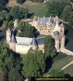 Château d'Ainay-le-Vieil 18200 Ainay-le-Vieil Berry