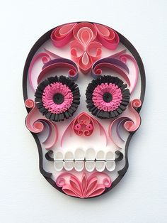 "Mexican Calaveras, the famous ""Sugar Skull"" of the Day of the Dead on quilling to celebrate this beautiful mexican tradition. 3d Quilling, Quilling Patterns, Quilling Designs, Quilled Paper Art, Quilling Paper Craft, Quiling Paper, Mexican Skulls, Mexican Art, Origami"