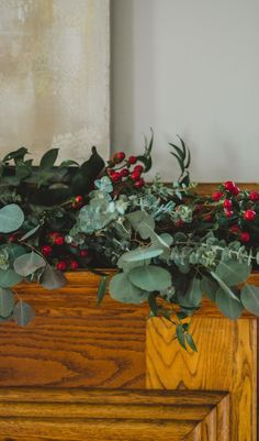 This festive garland brings the holiday cheer! Here's a few tips on creating an eye-catching garland for your mantle yourself. #fiskars #christmas #garland #decor Eucalyptus Garland, Eucalyptus Leaves, Greenery Garland, Diy Garland, Fashion Project, Easy Projects, Mantle, Diy Home Decor, Festive