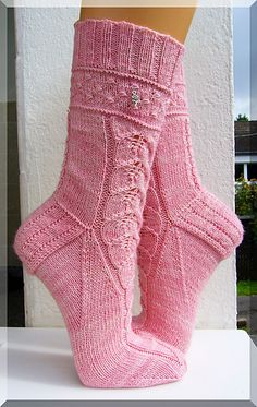 Knitting Patterns Socks Ravelry: Sleeping Beauty sleeps one hundred years pattern by Micha Klein Lace Socks, My Socks, Cool Socks, Knitting Socks, Free Knitting, Knit Socks, Crochet Shoes, Knit Crochet, Ravelry