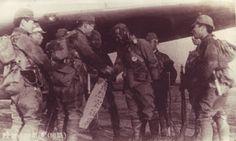 Descubre a los Giretsu, los soldados suicidas aerotraportados japoneses en BHM http://bellumartis.blogspot.com.es/2017/02/giretsu-los-comandos-suicidas.html