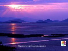 MICHOACÁN MÁGICO Te habla sobre el lago de Cuitzeo,  es un cuerpo de agua que se localiza entre los estados de Guanajuato y Michoacán de Ocampo. Ocupa el segundo lugar en extensión en la República Mexicana. Este lago es de gran importancia para la región, ya que contribuye a regular el clima de la cuenca; además es sustento y hábitat de diversas especies vegetales y animales. HOTEL VILLAMONTAÑA http://www.villamontana.com.mx/