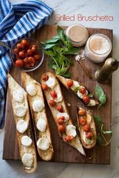 Amazing grilled bruschetta recipe on the bbq! Best bruschetta recipe for a Summer appetizer grilled on the bbq. Best Bruschetta Recipe, Recipes With Mozzarella Cheese, One Bite Appetizers, Grilled Bread, Bread Alternatives, Bbq, Tailgating Recipes, Fun Easy Recipes, Base Foods