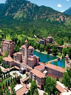 Crowned by Pikes Peak, Colorado Springs and The Broadmoor resort are one of a kind. Learn more about Inspirato's Signature Stay at this legendary hotel. Estes Park Colorado, Colorado Usa, Colorado Homes, Colorado Mountains, Colorado Trip, Colorado Resorts, Rocky Mountains, Colorado Springs Hotels, Centennial Colorado